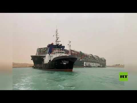 شاهد توقف حركة الملاحة في قناة السويس