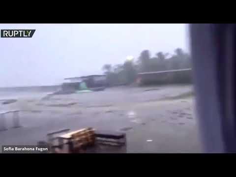 شاهد إعصار إيتا يصل هندوراس حاملًا معه رياحًا قوية