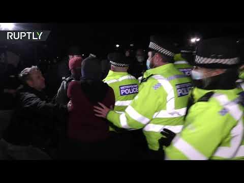 شاهد شرطة بريطانيا تواجه انتقادات واسعة